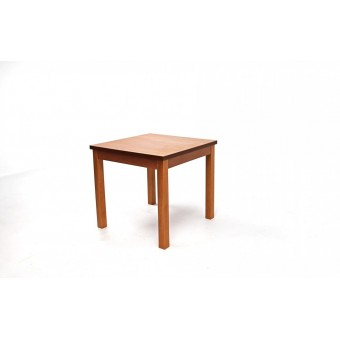 Berta étkezőasztal, 80-as  Fa vázas és bútorlap asztalok